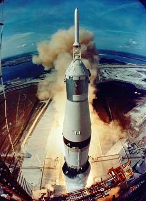 Hoy, hace 40 años despegó el cohete que llevo al hombre a La Luna