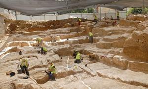 Arqueólogos israelíes han descubierto en pleno centro de Jerusalén una cantera de la que se extrajeron grandes bloques de piedra para la construcción de las murallas del Templo de Jerusalén /EFE