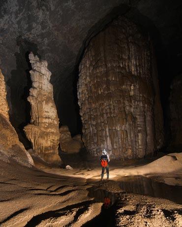 Un río subterraneo discurre unos 2,5Km en el interior