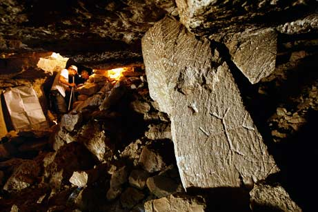 Las investigaciones continuan para esclarecer las decenas de teorías respecto al uso de la cueva