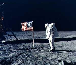 La bandera no podía faltar...