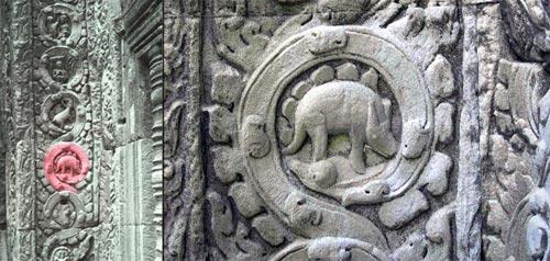 Imagen del presunto Stegosauro y su ubicación en el pilar